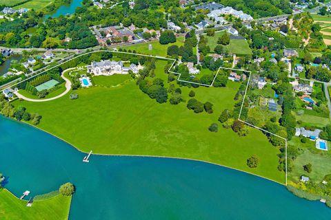 Vince Camuto House Hamptons