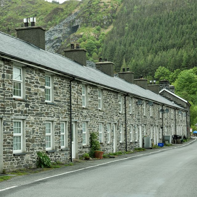 welsh village of aberllefenni is for sale for £15 million