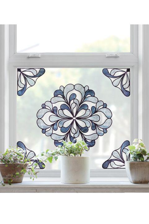 Vinilo con forma de rosetón para ventana