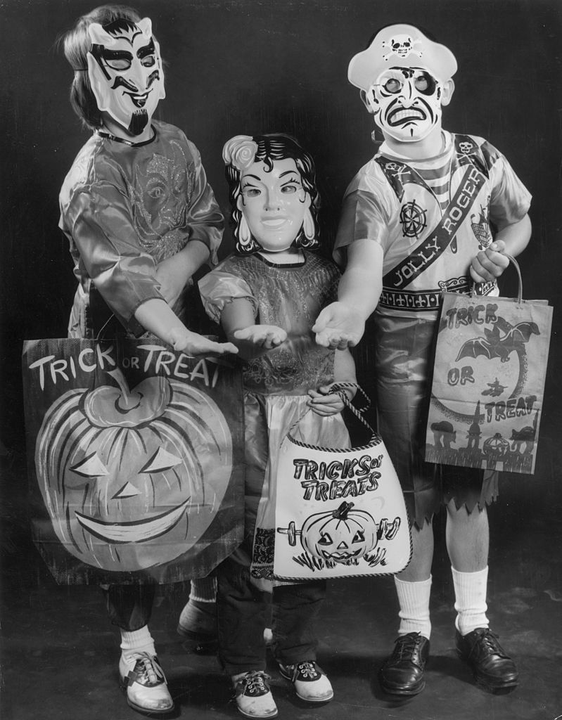 Vintage Halloween Costume Pictures.Vintage Halloween What Halloween Was Like The Year You Were Born