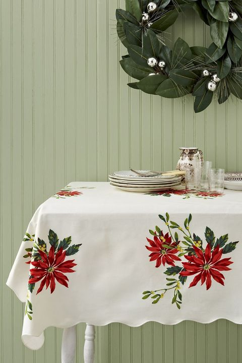 vintage tablecloth christmas decoration ideas