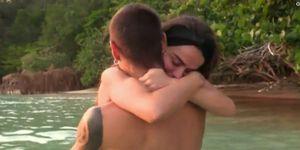 Violeta y Fabio afianzan su relación y viven su noche más romántica en 'Supervivientes'