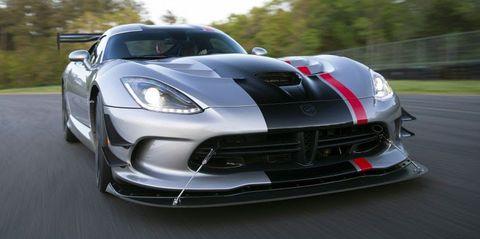 Land vehicle, Vehicle, Car, Sports car, Supercar, Dodge Viper, Performance car, Hennessey viper venom 1000 twin turbo, Automotive design, Bumper,