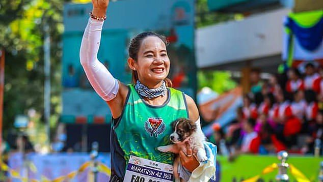[Image: viral-press-puppy-marathon-1548773598.jp...size=480:*]