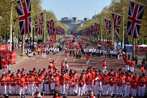 How do you become a London Marathon volunteer?