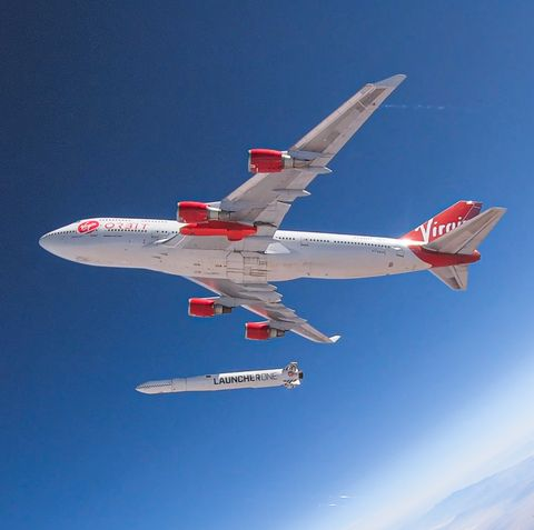 Airplane, Aircraft, Aviation, Vehicle, Flight, Aerospace engineering, Airline, Air travel, Sky, Flap,