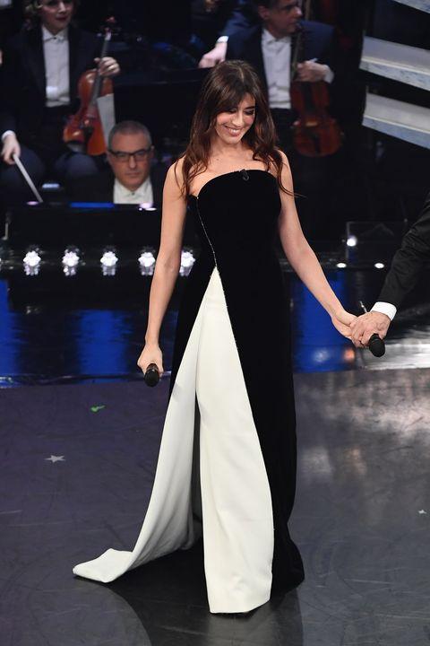 afec7ef91b7c Vestito di Virginia Raffaele a Sanremo