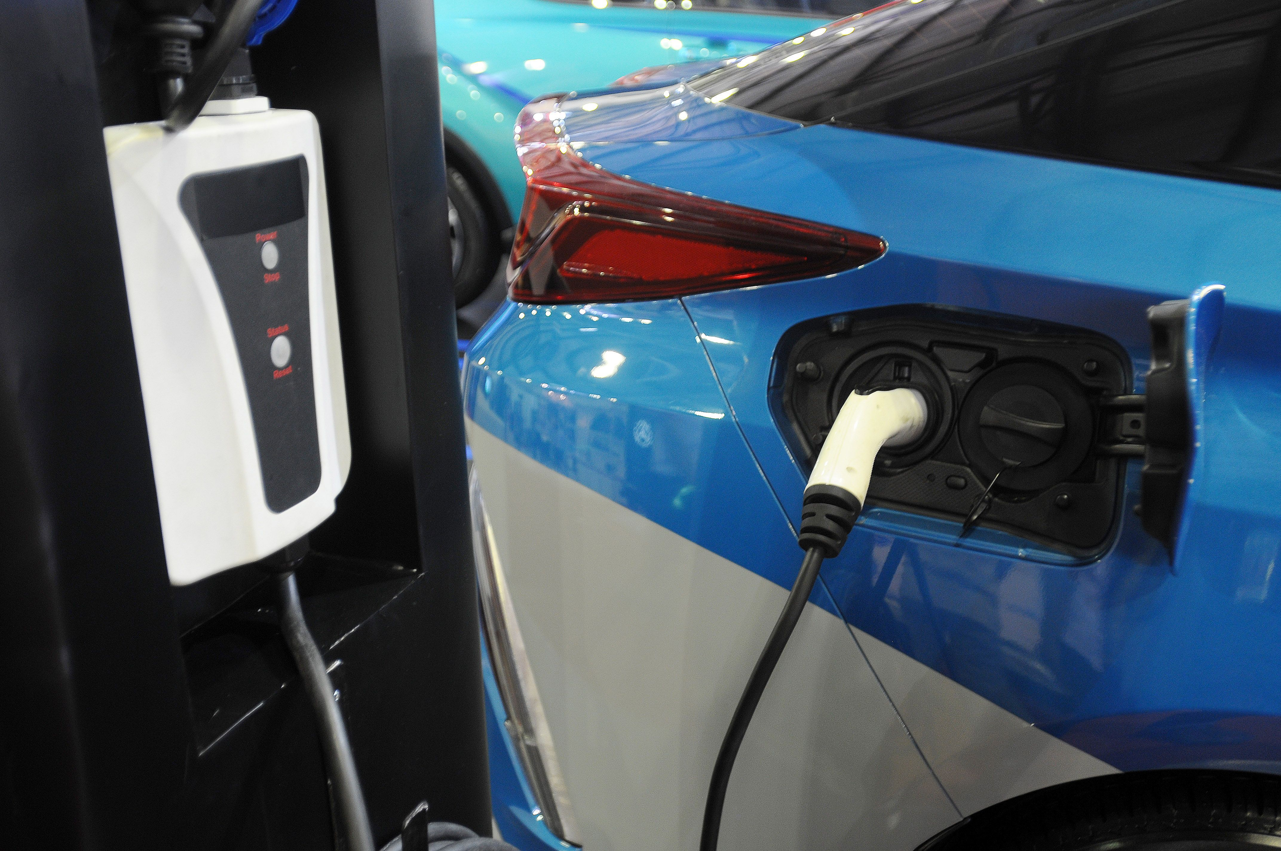 New EV Battery Can Charge in 10 Minutes
