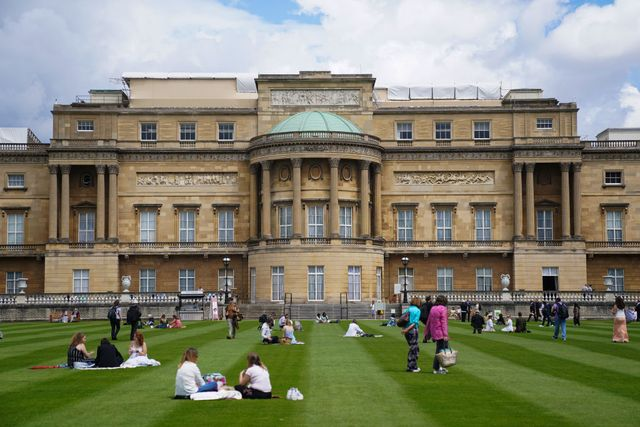 buckingham palace garden opening