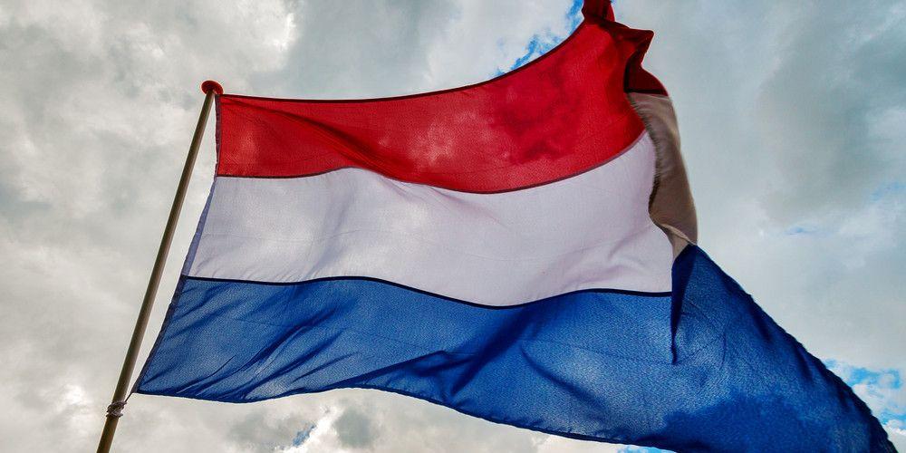 kleur-vlaggen-rood-wit-blauw