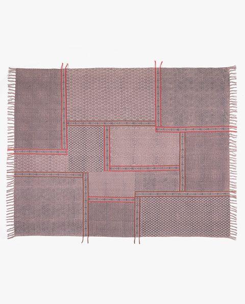 Placemat, Rectangle, Textile, Pattern, Beige, Linens, Wallet, Tablecloth, Linen,