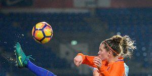 vooroordelen-voetballende-vrouwen-zat