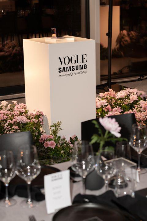 Kijk binnen bij hetVogue x Samsung event.
