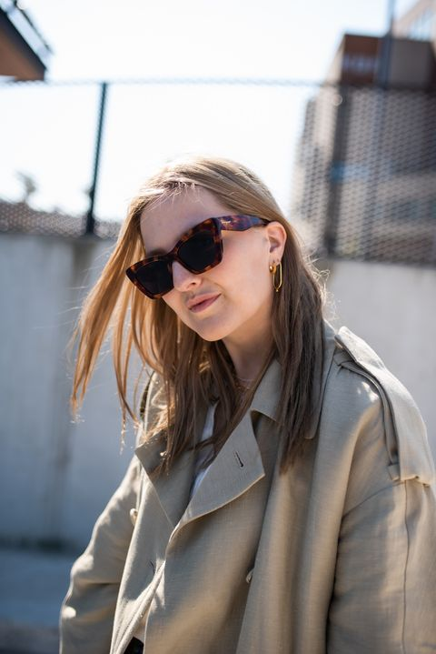 Eyewear, Sunglasses, Hair, White, Street fashion, Cool, Beauty, Blond, Glasses, Fashion,