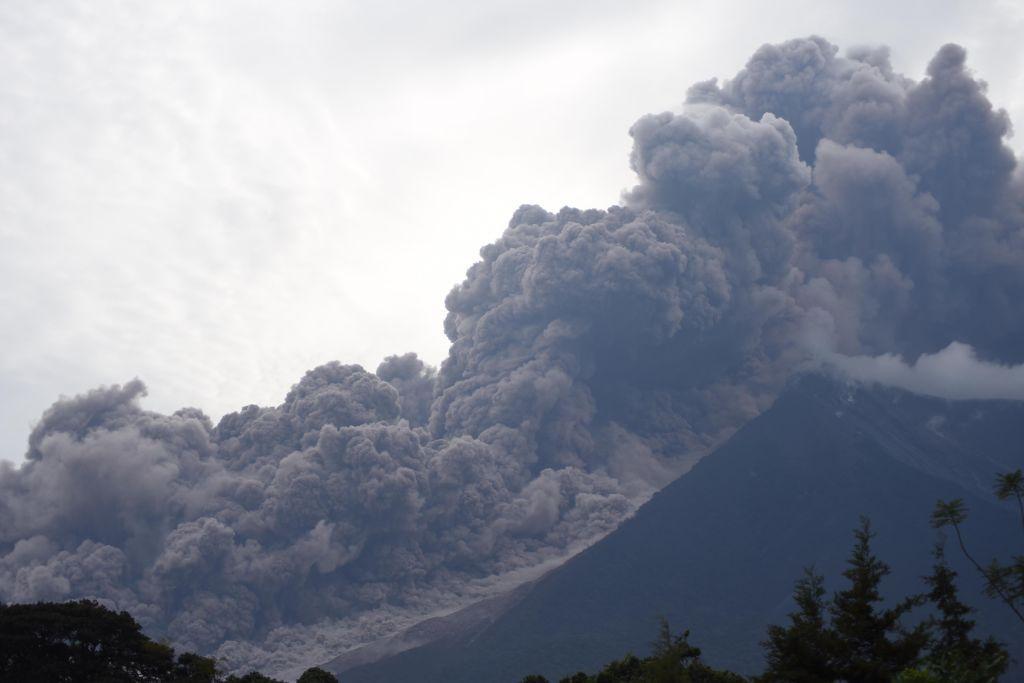 volcano-ash-1528131628