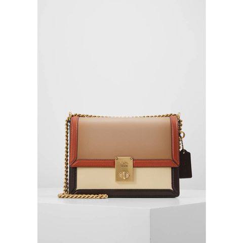 Beige, Fashion accessory, Wallet, Tan, Brown, Leather, Bag, Handbag, Rectangle, Coin purse,