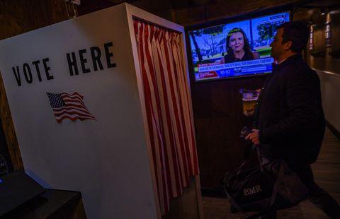 US-POLITICS-VOTE-PRIMARIES-BAR