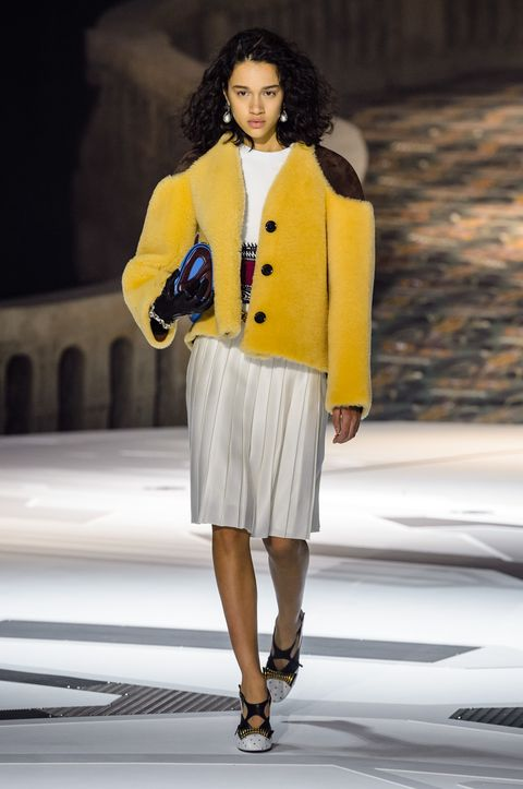 ad6f59ad43 46 Looks From Louis Vuitton Fall 2018 PFW Show – Louis Vuitton ...