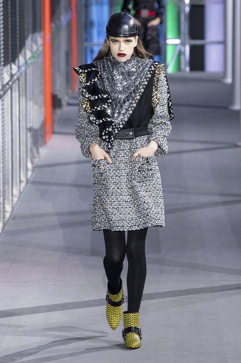 Fashion, Fashion model, Fashion show, Runway, Clothing, Street fashion, Footwear, Shoulder, Joint, Winter,