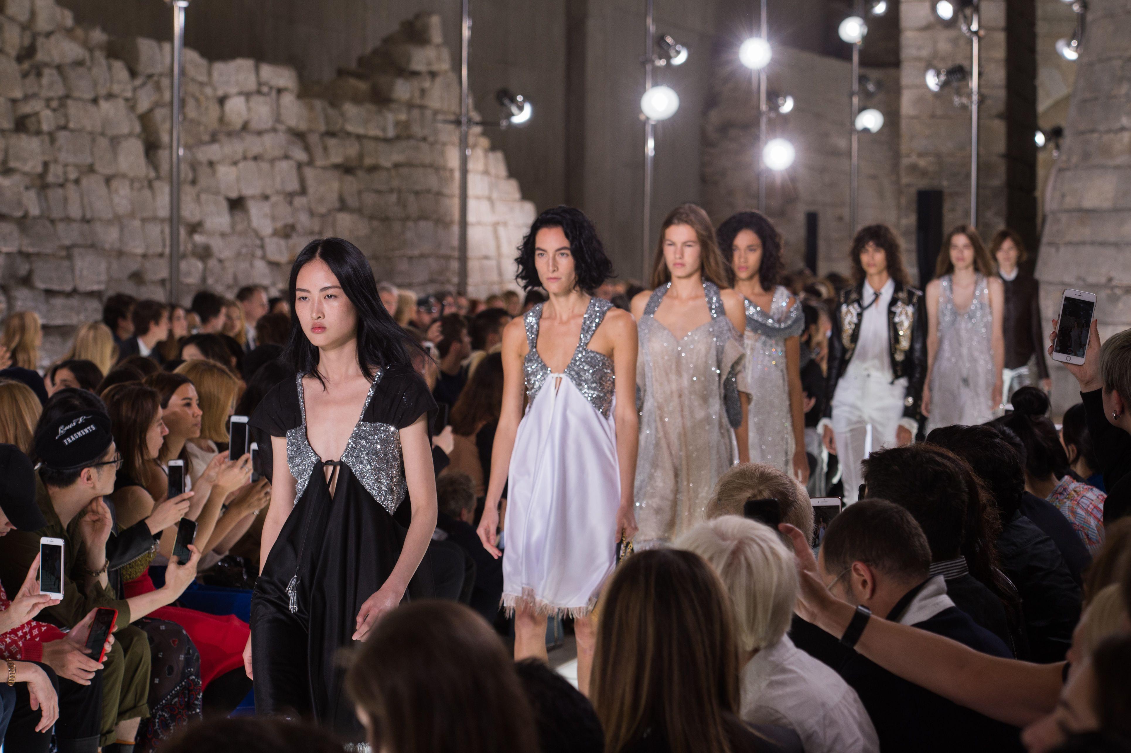 Best Runway Looks Paris Fashion Week Spring 2018 Paris Fashion Week Spring 2018 Trends