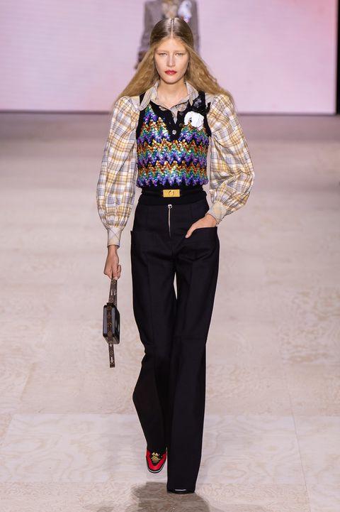 Fashion show, Fashion, Clothing, Fashion model, Runway, Waist, Outerwear, Event, Trousers, Fashion design,