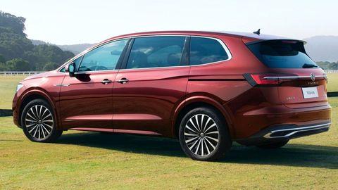 VW Viloran Spy Shots Show New MPV For China   Highwaytale.com