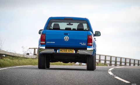 land vehicle, vehicle, car, pickup truck, motor vehicle, volkswagen amarok, truck, volkswagen, automotive exterior, bumper,