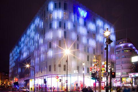 Landmark, Architecture, Night, Lighting, Building, Metropolitan area, Light, City, Metropolis, Urban area,