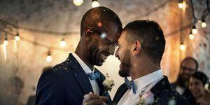 Homoseksueel koppel trouwt, homohuwelijk