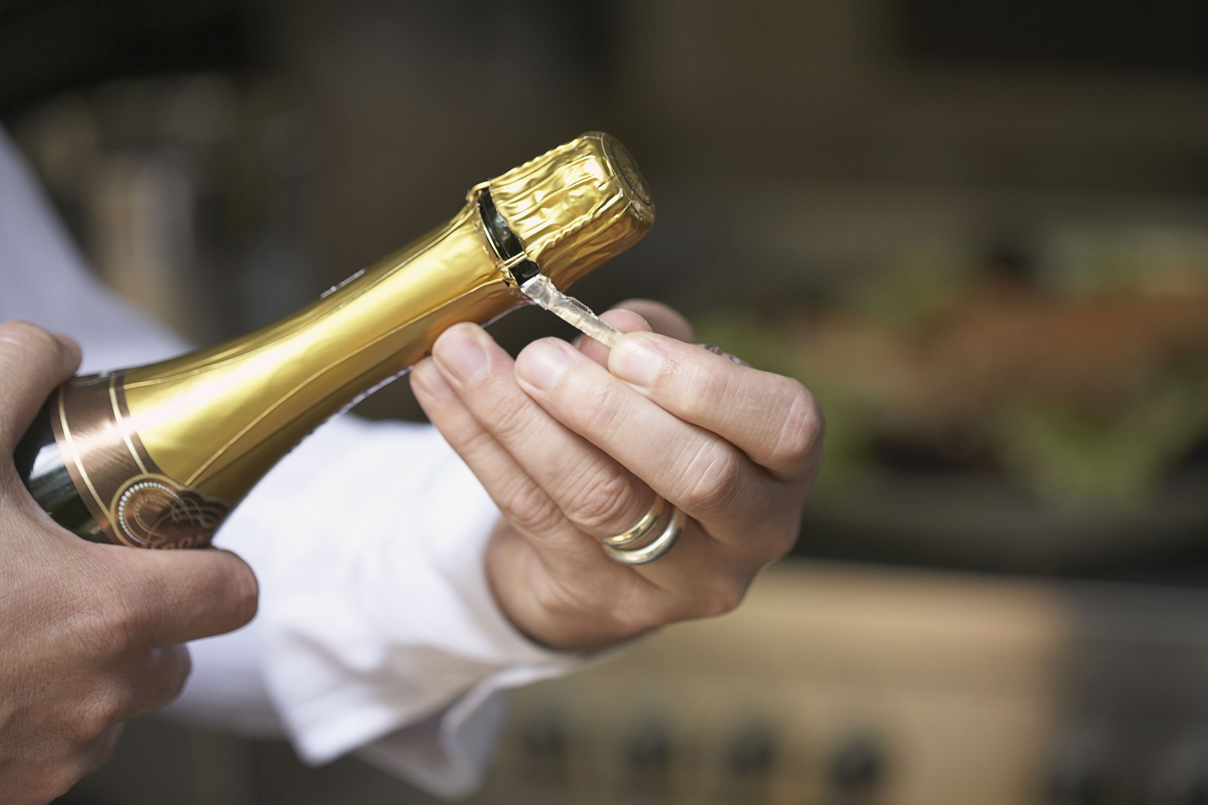 How to Uncork Champagne