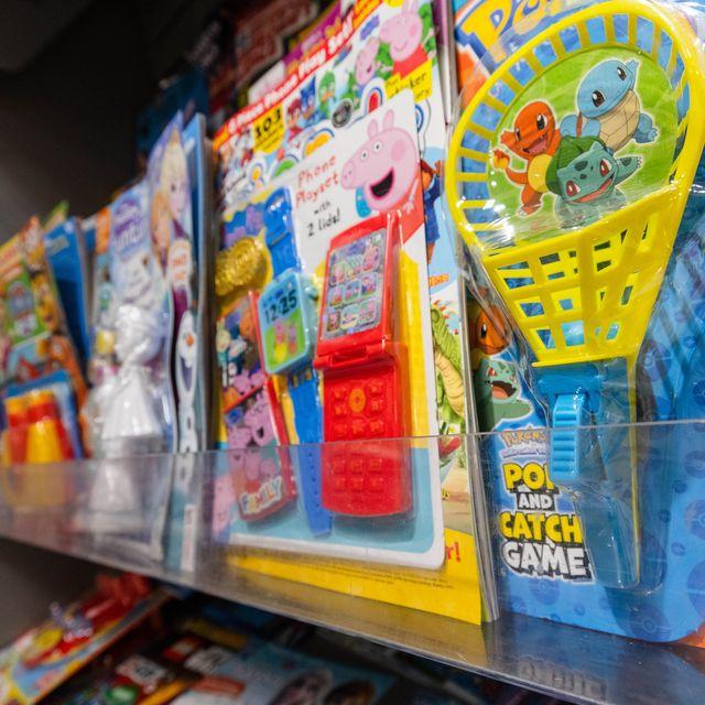 waitrose bans plastic toys in children's magazines