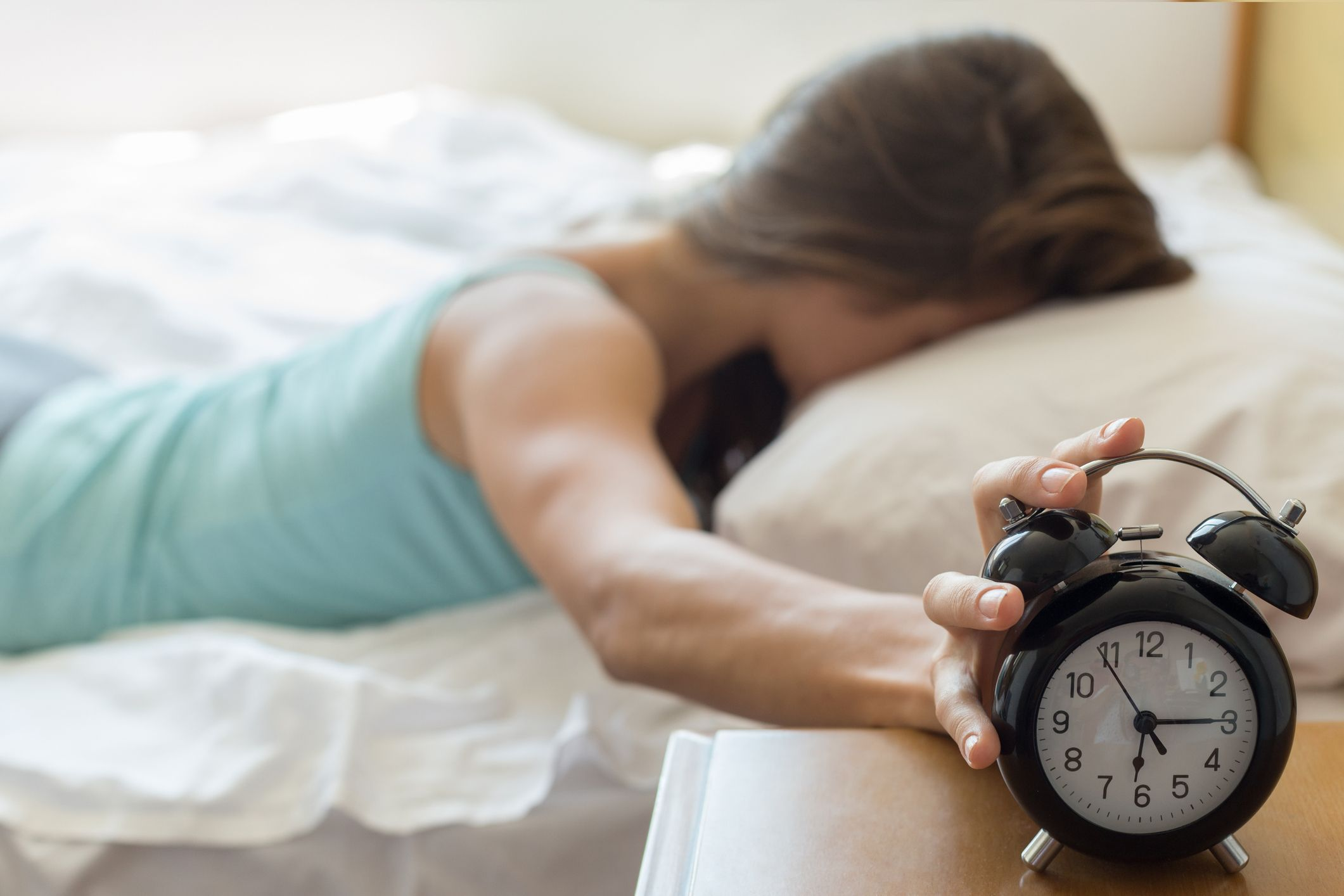 10 Best Loud Alarm Clocks For Heavy Sleepers 2021