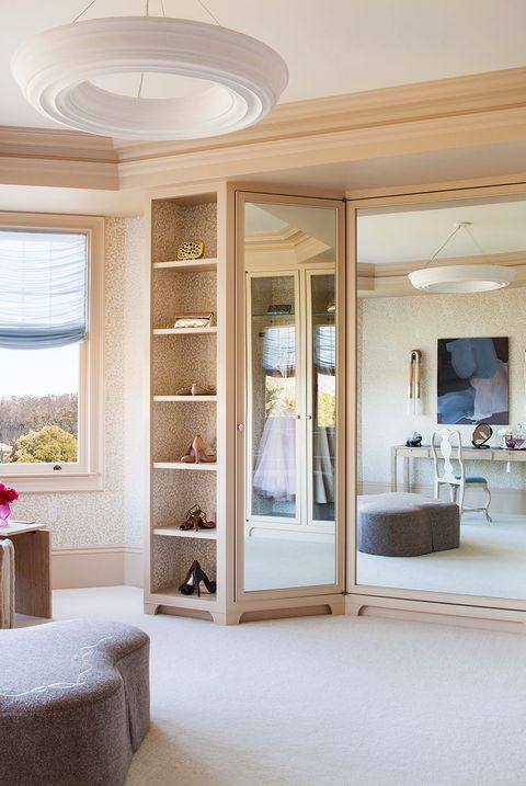 25 Best Walk In Closet Storage Ideas And Designs For Master Bedrooms