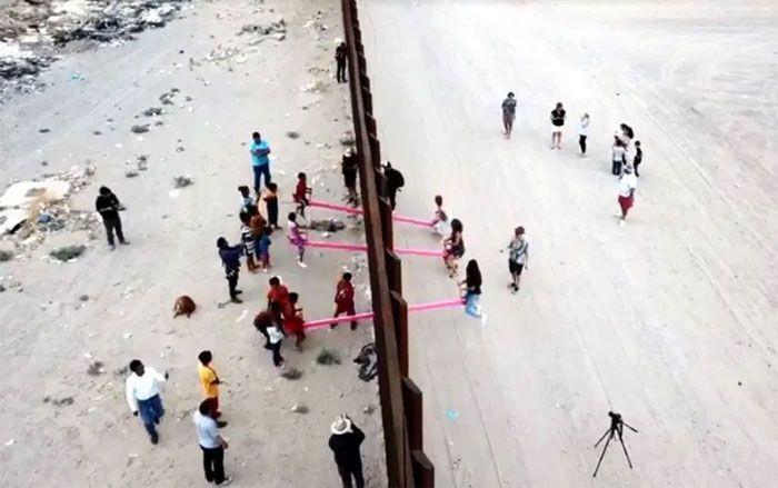 Los niños se enfrentan a Trump en la frontera. Y le ganan