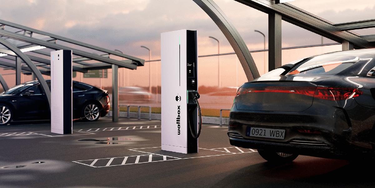 Hypernova: El Wallbox que puede cargar un coche en menos de 15 minutos