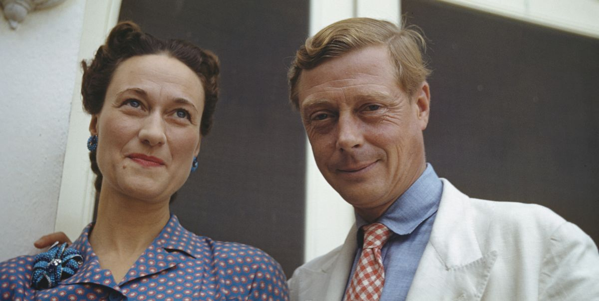 King Edward VIII Chooses Between Wallis Simpson and Kingship in This Clip from CNN's 'The Windsors'