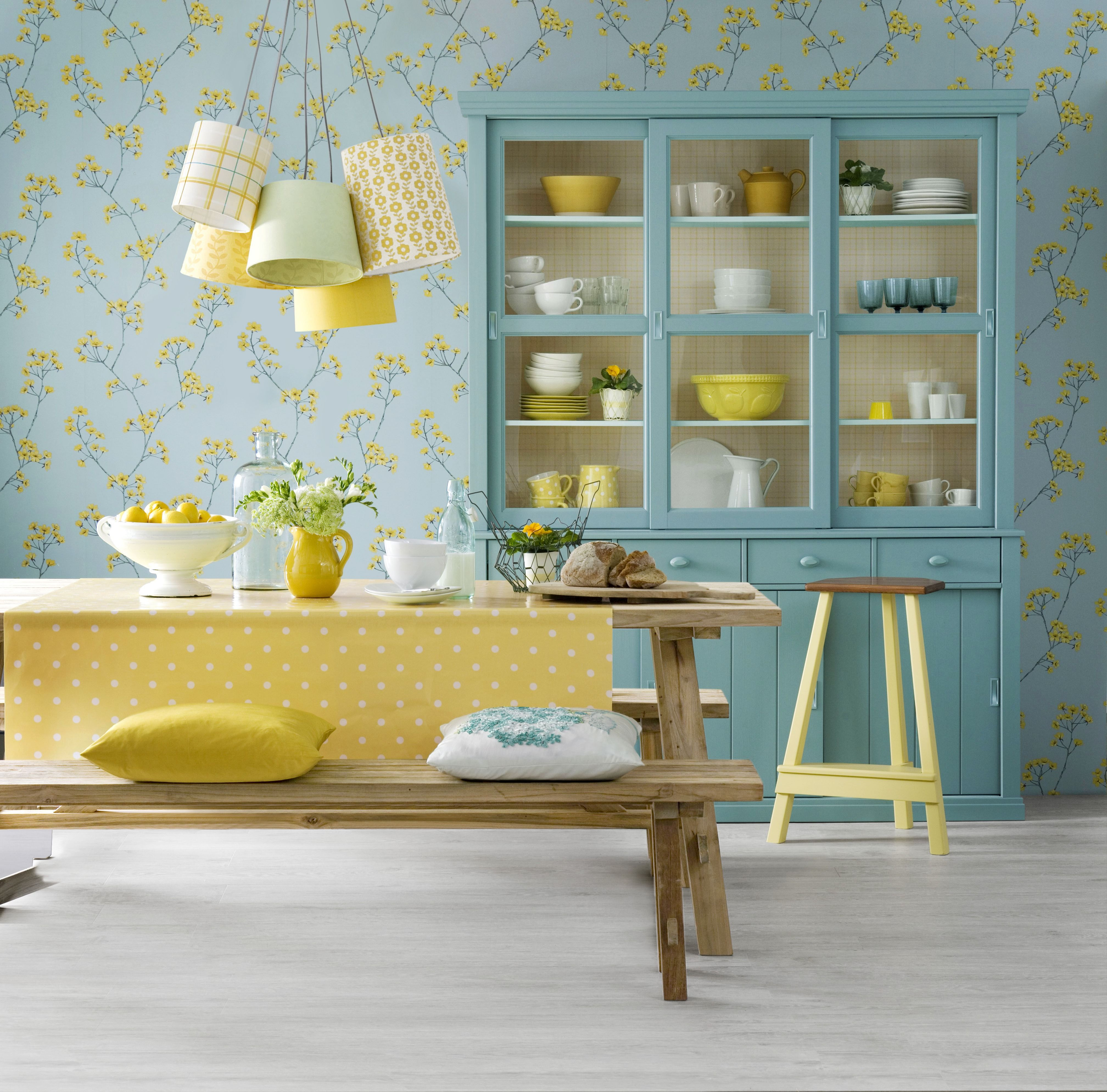 15 Beautiful Ways to Decorate Your Kitchen With Wallpaper