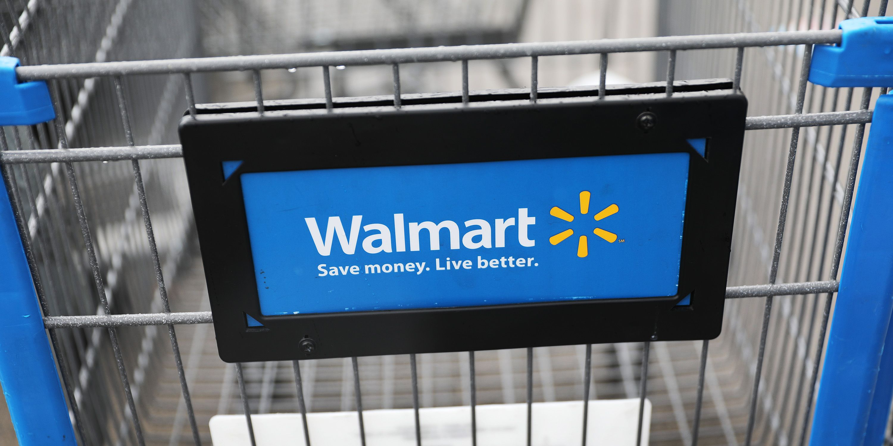 Walmart Will Provide Masks And Gloves To Employees