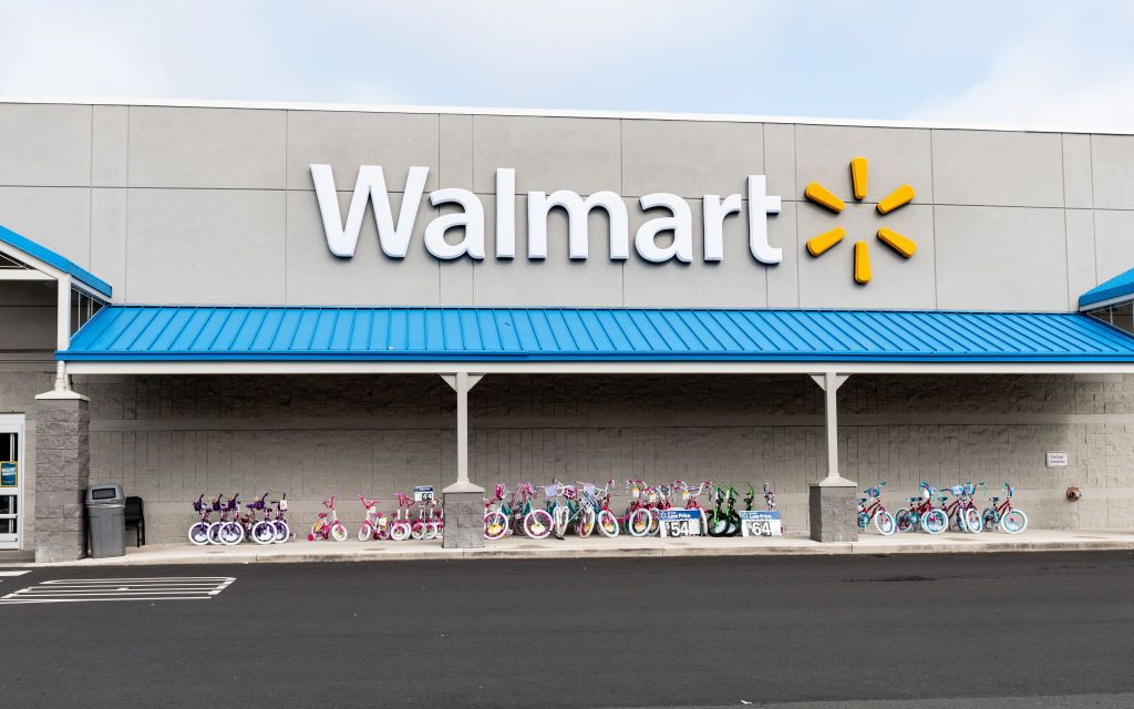 Here Are Walmart's Hours for New Year's Eve and New Year's Day 2020