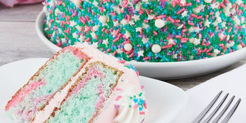 Astounding Walmarts New Unicorn Cake Will Have You Going Back For A Second Slice Personalised Birthday Cards Paralily Jamesorg