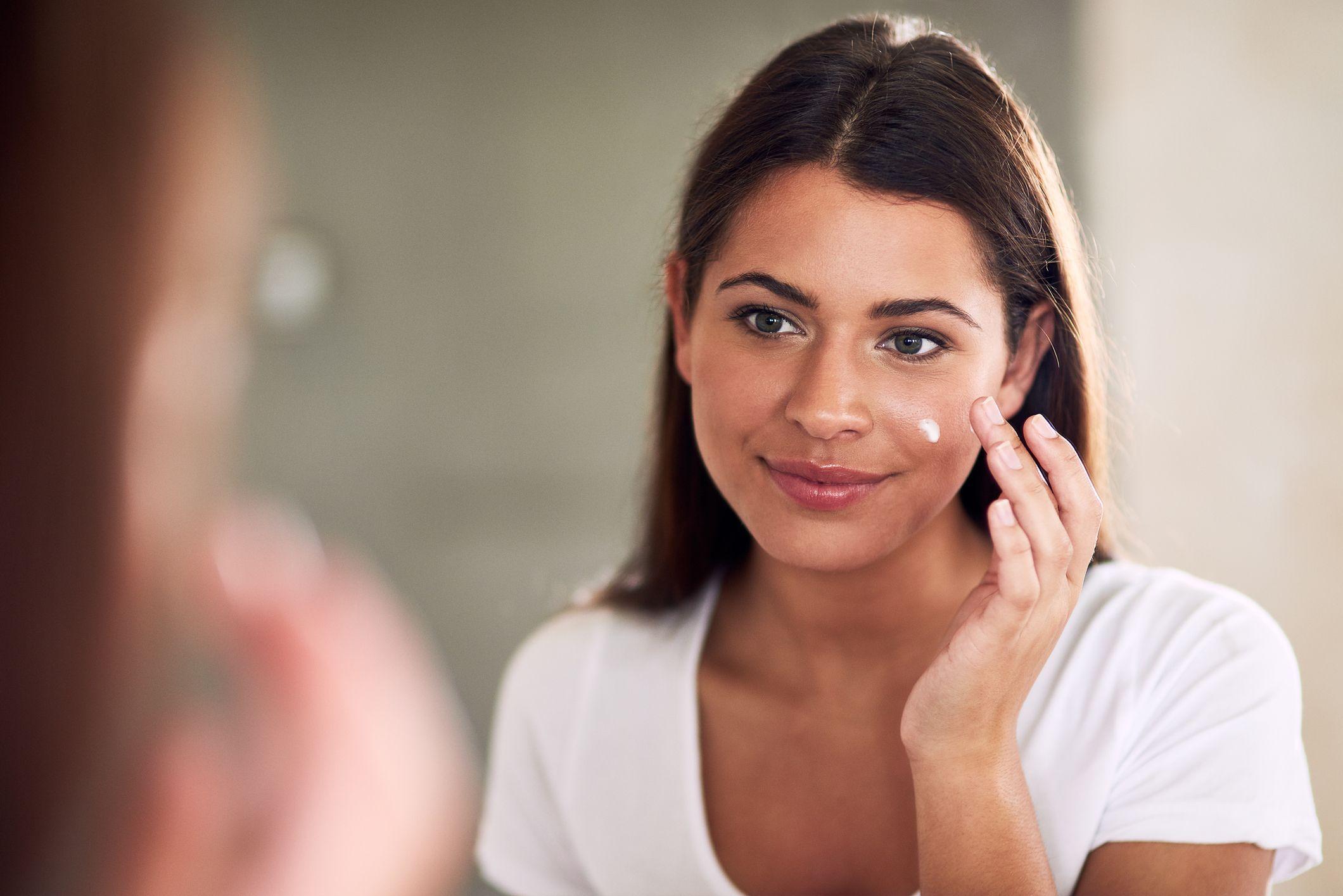 What Is Bakuchiol? The Natural Retinol Alternative for Sensitive Skin, Explained