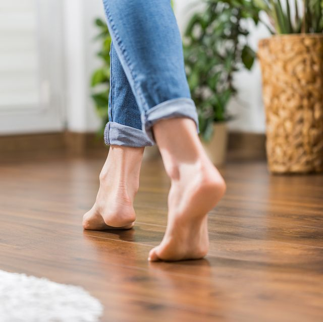 Why Do My Feet Hurt 15 Causes Of Foot Pain Heel Pain Pain In Arch