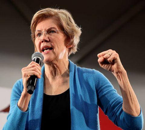 Democratic Presidential Candidate Sen. Elizabeth Warren Campaigns In Iowa Days Before State's Caucus