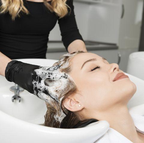 15款洗髮精髮浴推薦!洗頭遵照「頭皮養護3大步驟」讓髮根洗完清爽不扁塌