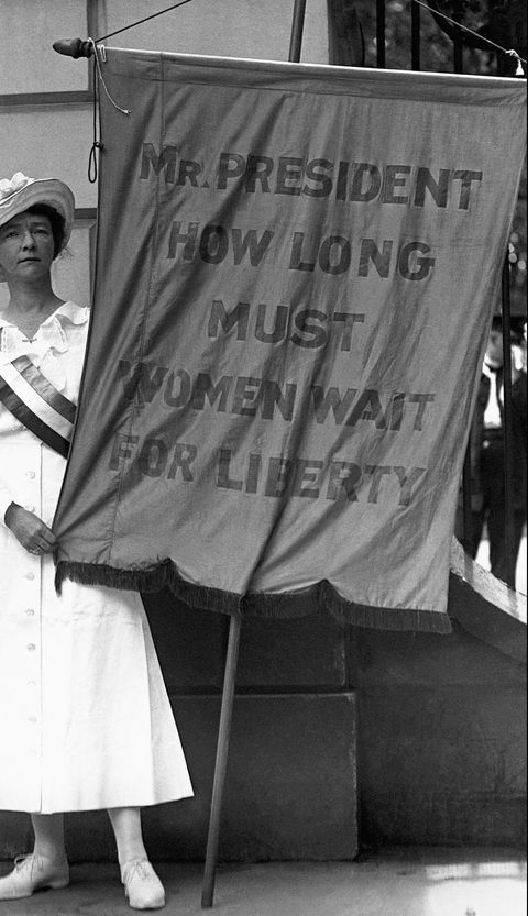 suffragette picketing at the white house