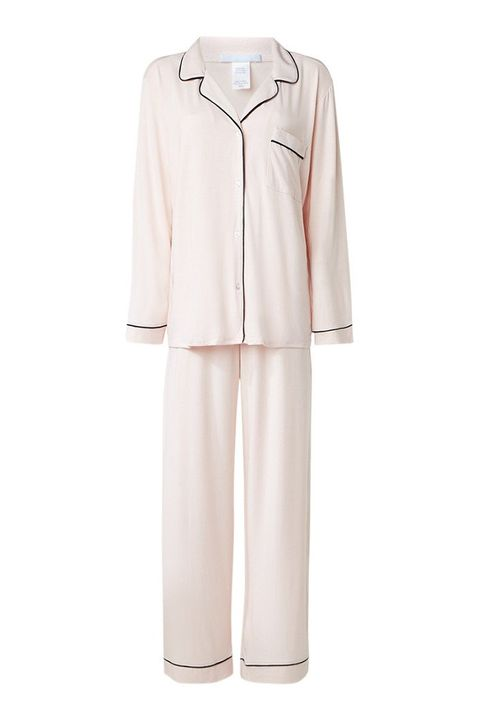 Clothing, White, Sleeve, Uniform, Dress, Collar, Nightwear, Outerwear, Beige, Robe,
