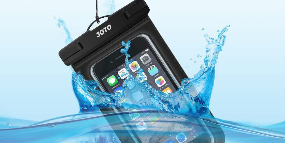 This $7 Waterproof Phone Case Has Over 30,000 Rave Amazon Reviews