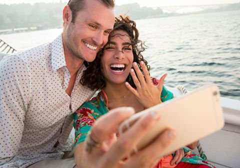 Facial expression, Vacation, Honeymoon, Fun, Summer, Smile, Happy, Leisure, Romance, Sea,