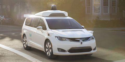 Land vehicle, Vehicle, Car, Sky, Automotive design, Mid-size car, Sport utility vehicle, Family car, Minivan, Crossover suv,