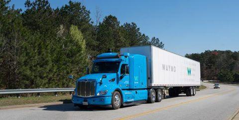 Land vehicle, Transport, Vehicle, Truck, trailer truck, Mode of transport, Motor vehicle, Commercial vehicle, Freight transport, Trailer,